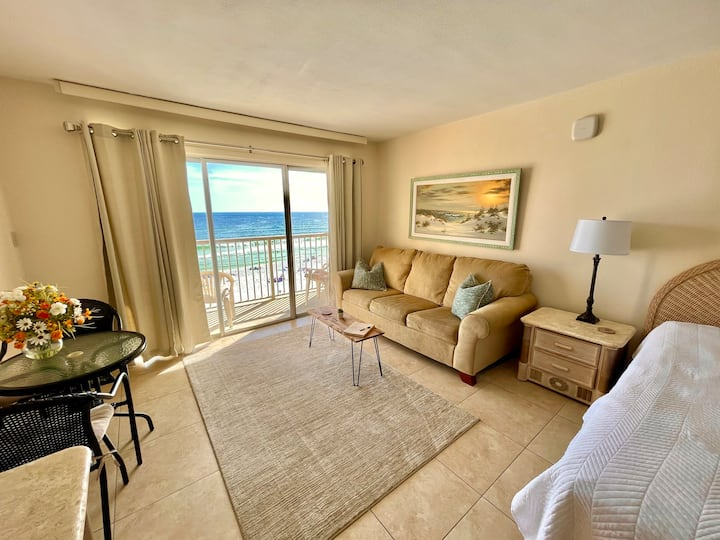 Beautiful Beach Front View Condo