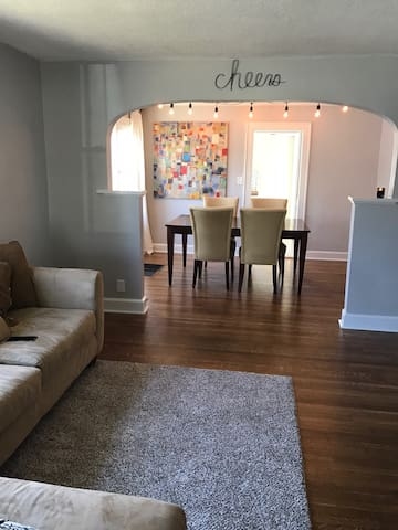 Charming BR in perfect location!