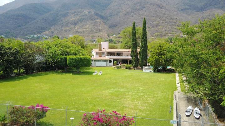 Casa Los Sopez/Lake front