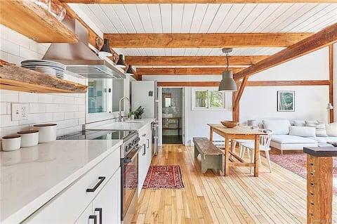 Fabulous Lemon Cottage in Rhinebeck, NY