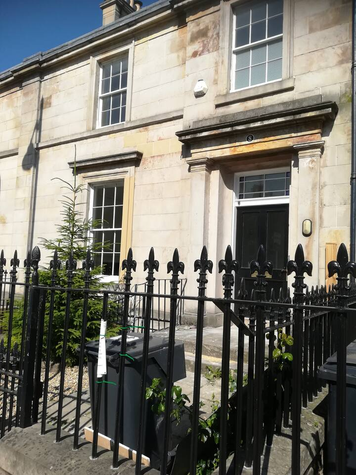 Two bedroomed Garden Flat, in the town centre.
