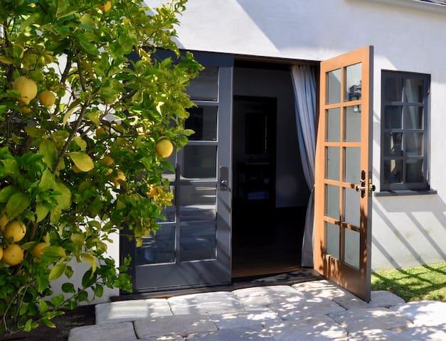 Elegant Private Space in Prime Walkable Location