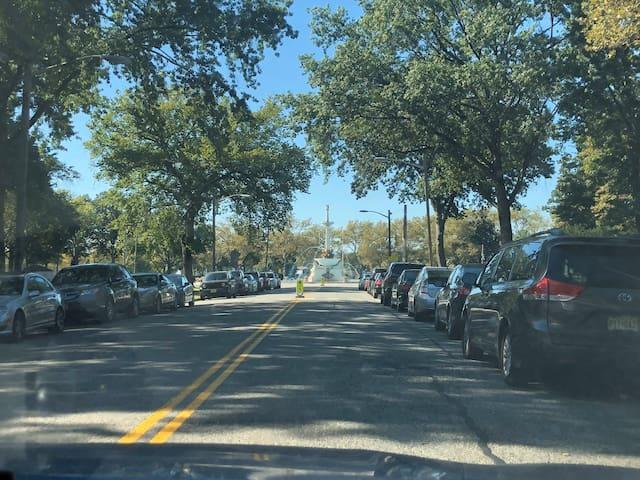 Quiet neighborhood near all transportation