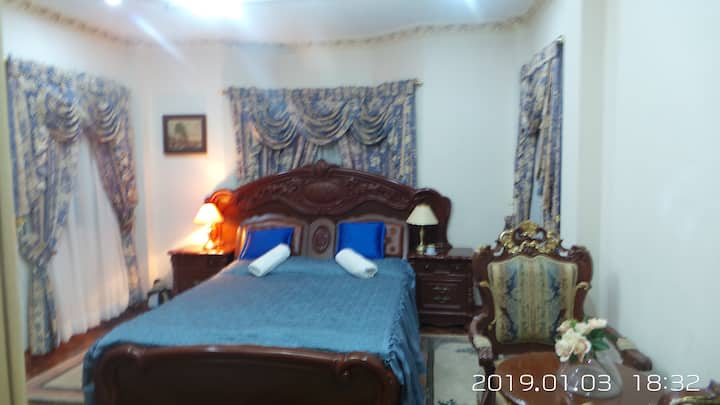 (BLUE) Private Room in Lipa with indoor pool