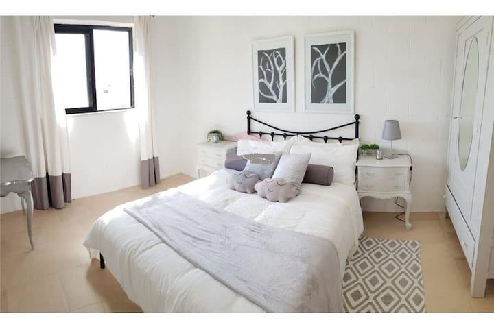 Confortable bedroom in Victoria