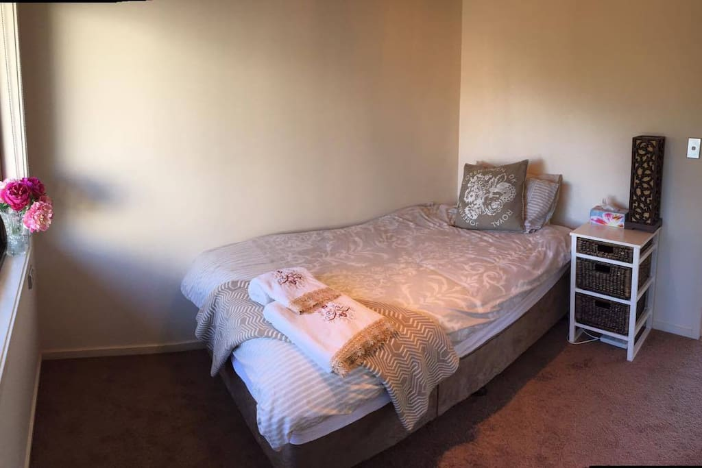 King-single bedroom with river views