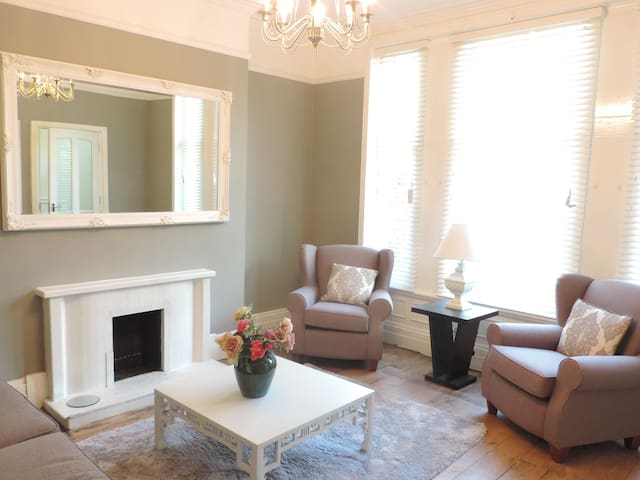 Homely, luxurious apartment - a perfect retreat!