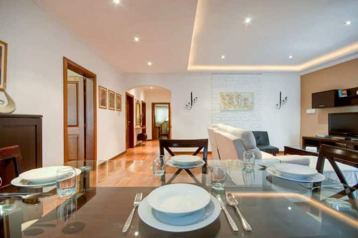 Triple Roon in Sliema JUST 1 MINUTE  TO THE BEACH!