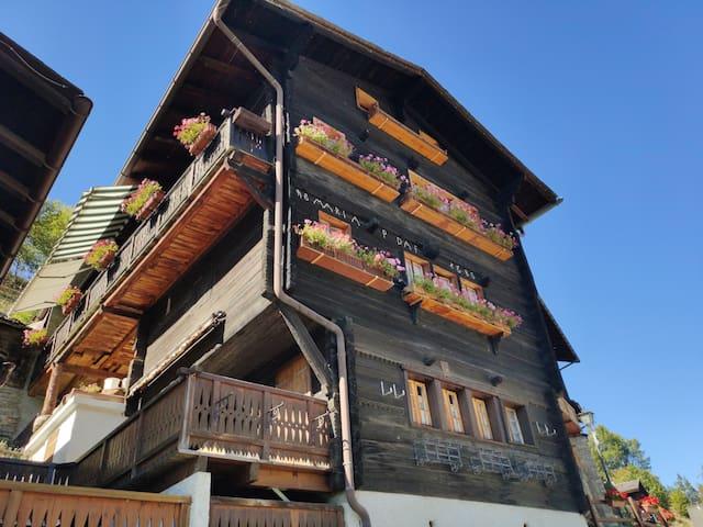 Grand chalet à Pinsec  au cœur du Val d' Anniviers