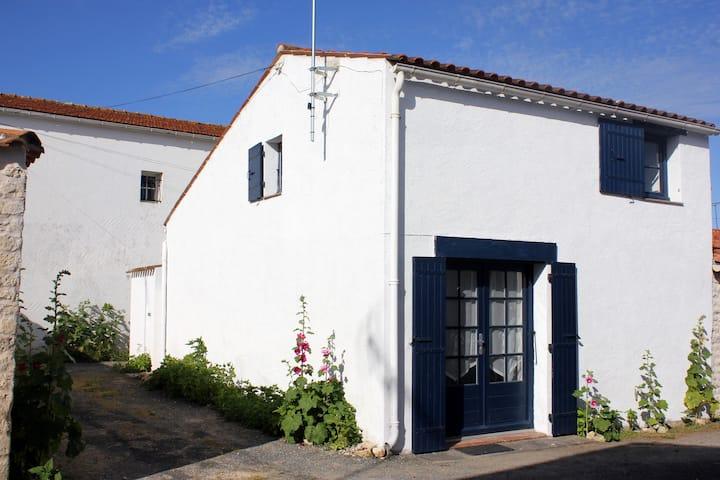 Charmante maison de village à 250 m de la plage