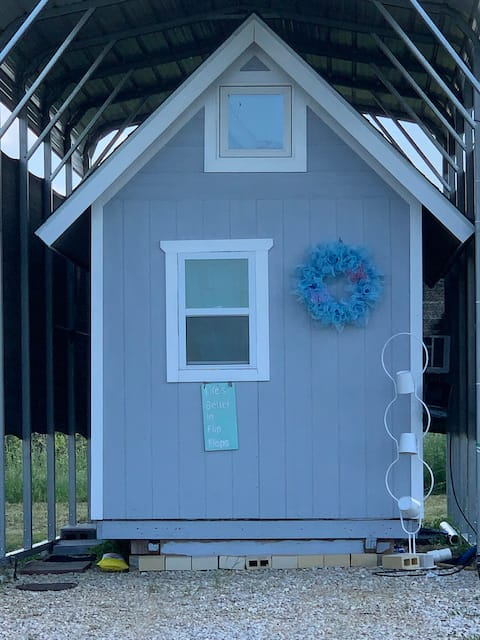H House: near Winstar, Ray Roberts Lake, Denton