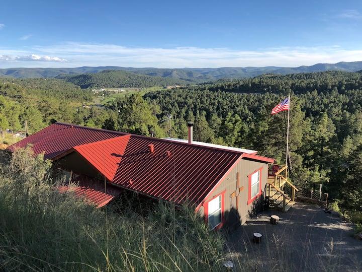 Scenic Views Cabin