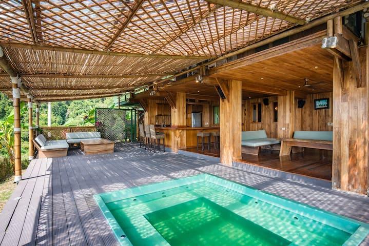 Jagualodge (Surflodge) private rooms - Playa Hermosa - Bed & Breakfast