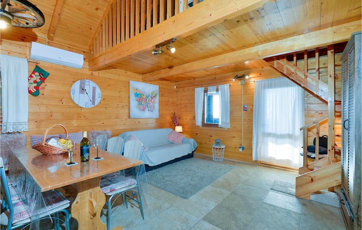 Awesome home in Krapinske Toplice with Sauna, WiFi and 2 Bedrooms