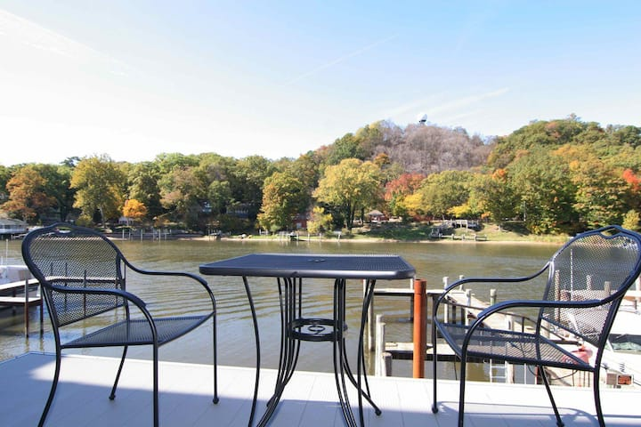 Saugatuck Landings Upper Condo - 726 Water Street