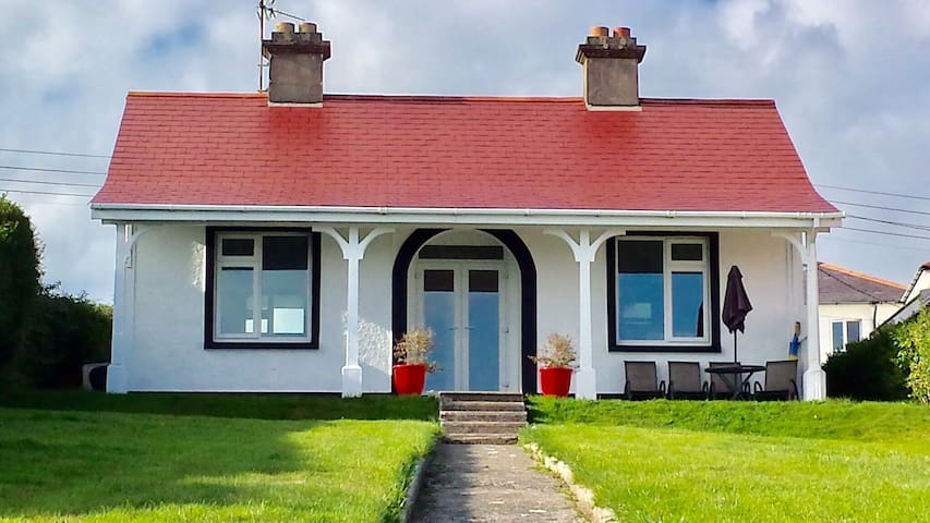 Cragmor Cottage. The Doneraile, Tramore Waterford
