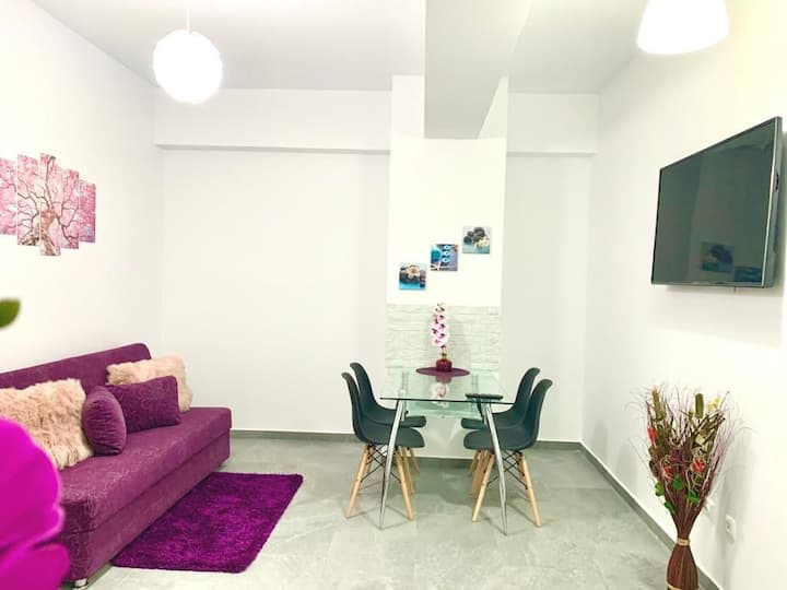 Teo Spatious Apartment near Palas Mall