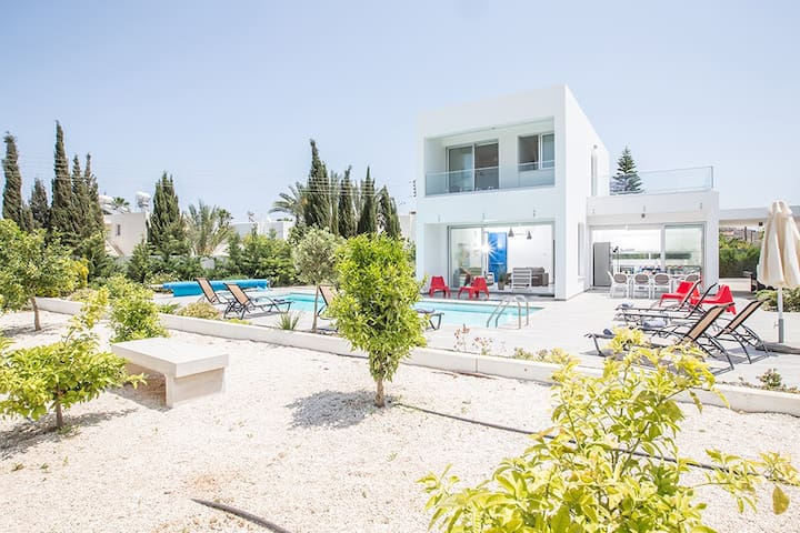 Villa Kia, Luxury 5BDR Villa.