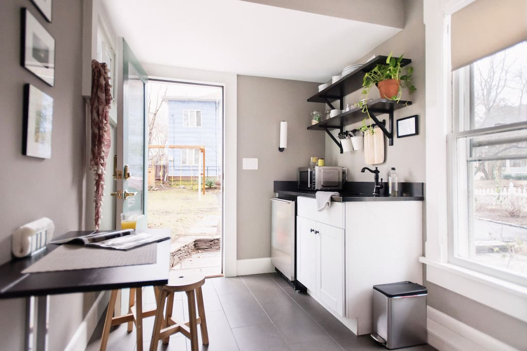 Eat in kitchenette with view to backyard