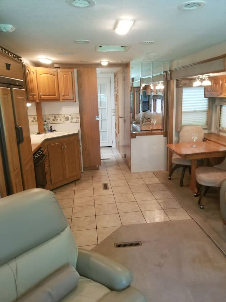 Motorhome on Private Property ...Best Location