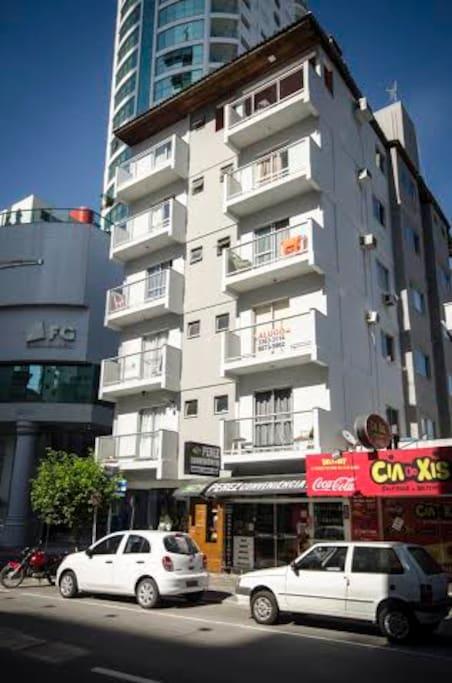 Fachada Apart Hotel Alba