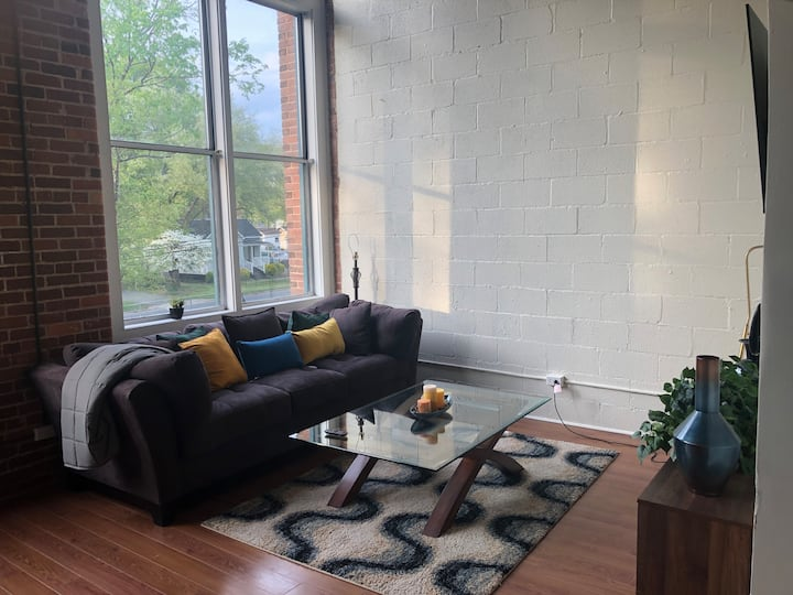Industrial Loft Close to Uptown Charlotte