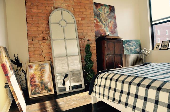 Artsy charming room in Bushwick !