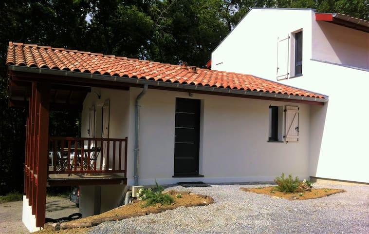 T3  tout confort avec piscine proche Biarritz 3*