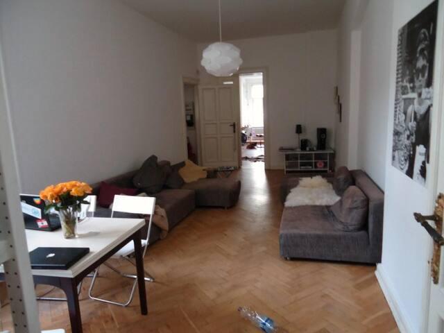 Kleines feines Altbauzimmer im Herzen Berlins - Berlín - Byt