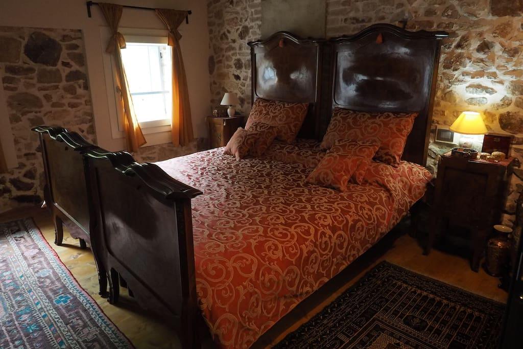 """Room """"De Luxe"""""""