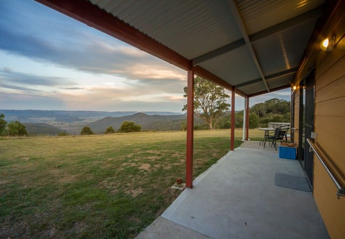Wombat Cottage at Majestic View on 120 acres - Hampton - Haus