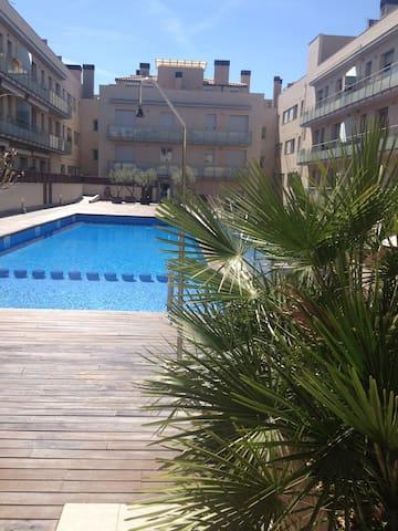 Аппартаменты с бассейном - La Garriga - Leilighet