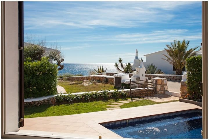 VILLA BINI ESTEL - Lovely, quality modern villa with amazing sea views