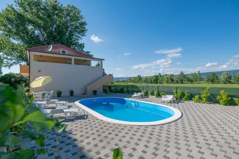 Luxurious Villa Sennia with a private pool