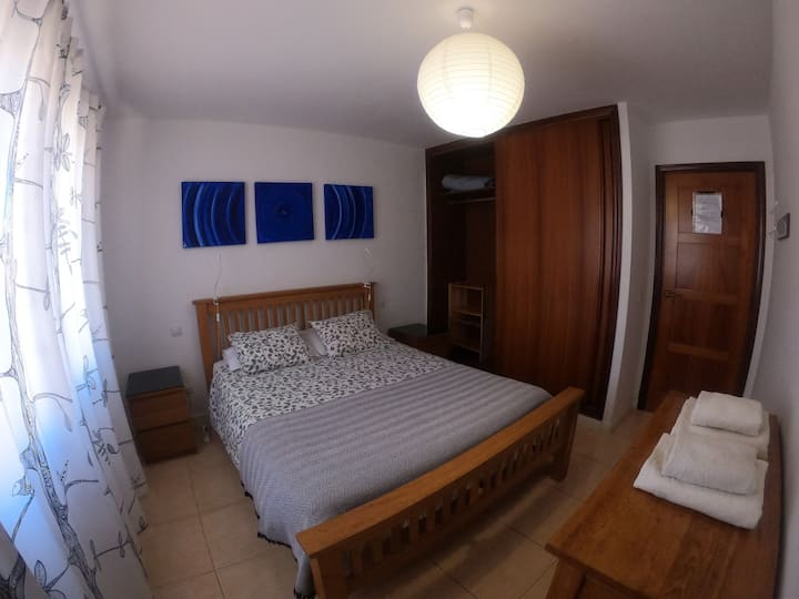 Room with new 1'50 bed, pool of 25 meters, Wifi.