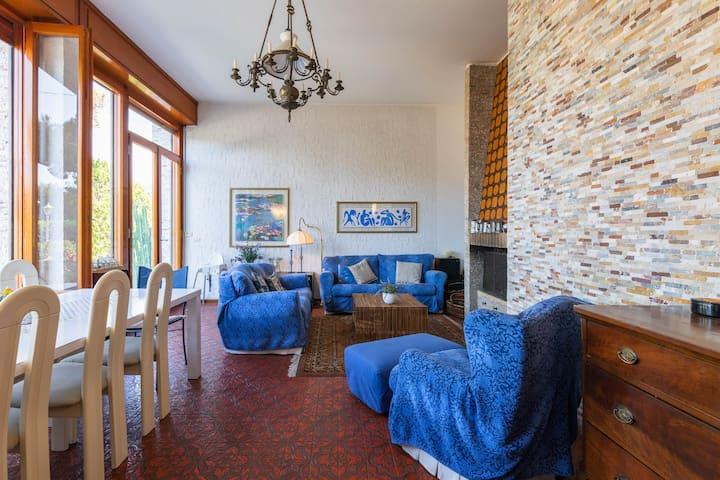 Splendida Villa con Vista Spettacolare sulla Baia
