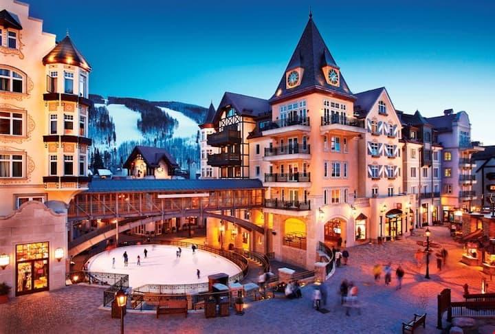 Luxury Alpine Room | Rooftop Hot Pools, Lap Pool, & Gym Access!