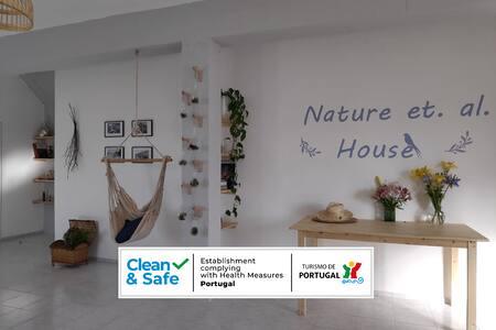 Casa uso privado com jardim - Nature et. al. House