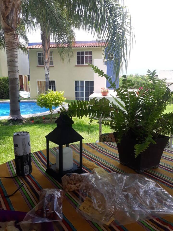 Bonita y relajante casa con terraza y alberca
