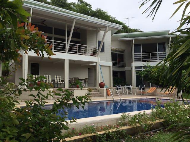 BEACH & MOUNTAIN HOUSE CONCHAL & TAMARINDO ROUTE - Santa Cruz - Haus