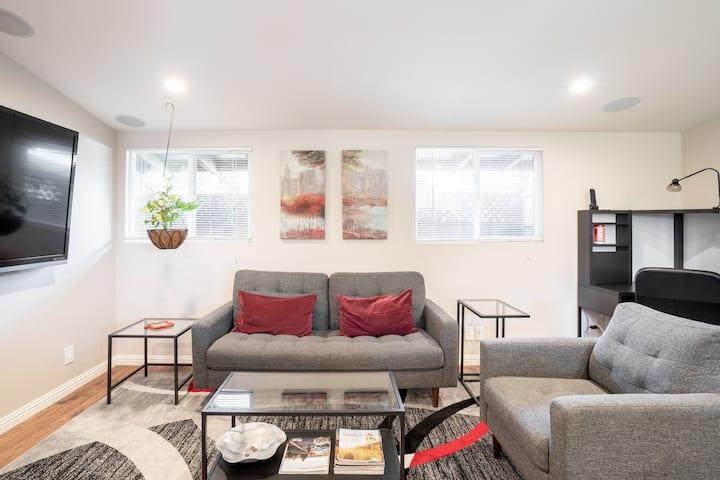 One Bedroom Suite between Apple and Google