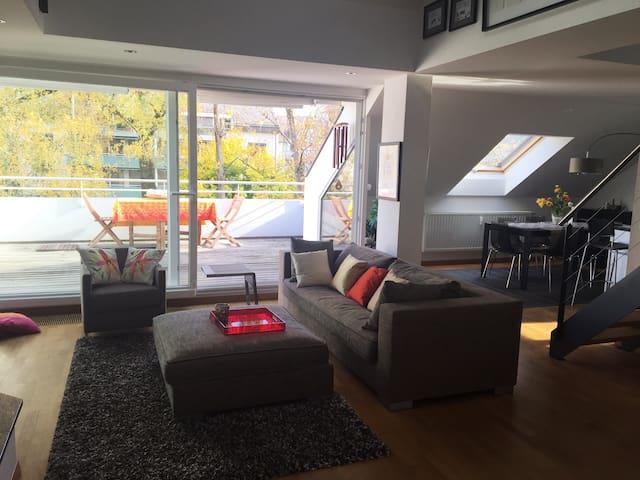 Modern cosy spacious Loft