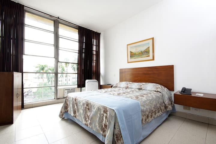 Alojamiento Familiar - Cali - Bed & Breakfast