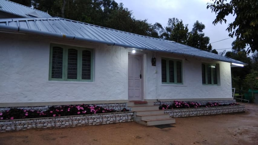 Raha home stay double bedroom