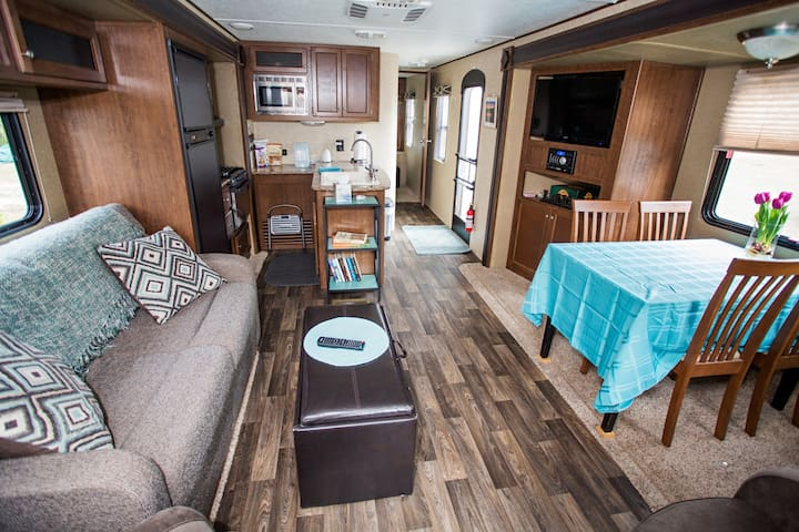 """27 Acres"" RV on the edge of Orlando."