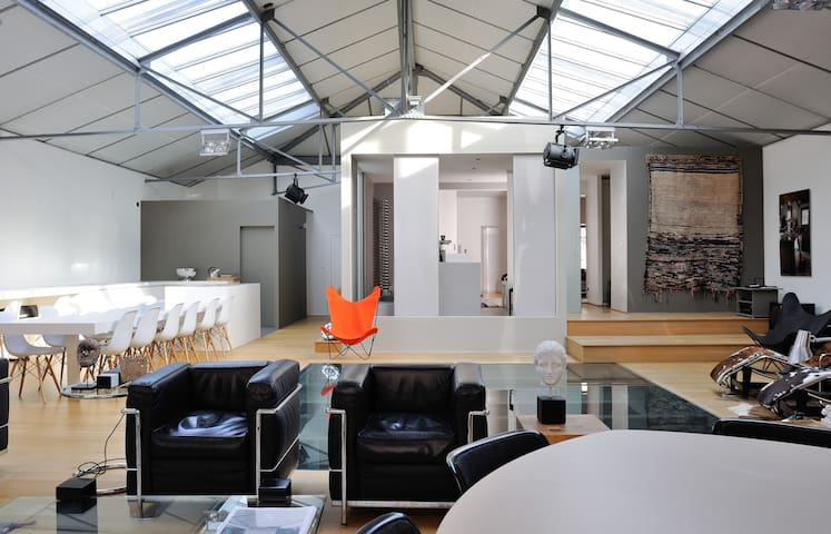 L'envers du décor Loft design in an industrial building