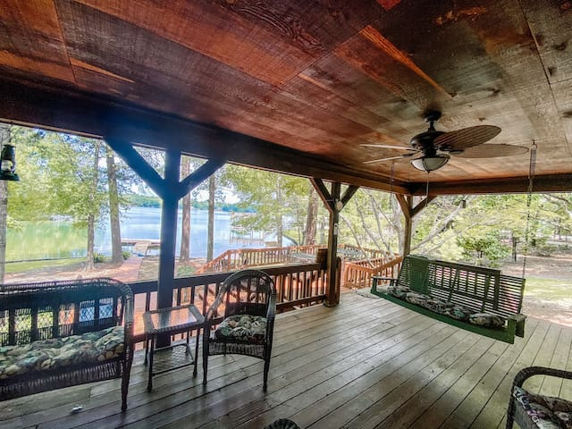 PETS ♥️ Waterfront+Beach! Eclectic Lake Martin