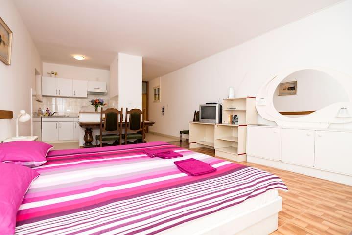 Apartments Raguz- Studio with Balcony ( 3 ) - Dubrovnik - Apartamento