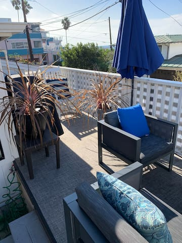 Upper deck with 2019 gas propane barbecue