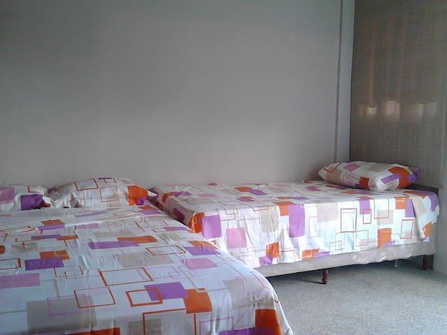 Habitación Triplex - Caroni - Bed & Breakfast